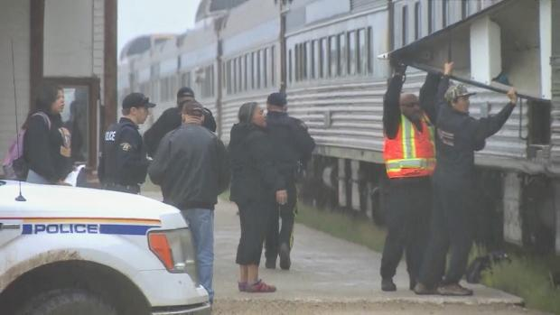 RCMP clear over 100 abandoned builds near Gillam as search continues