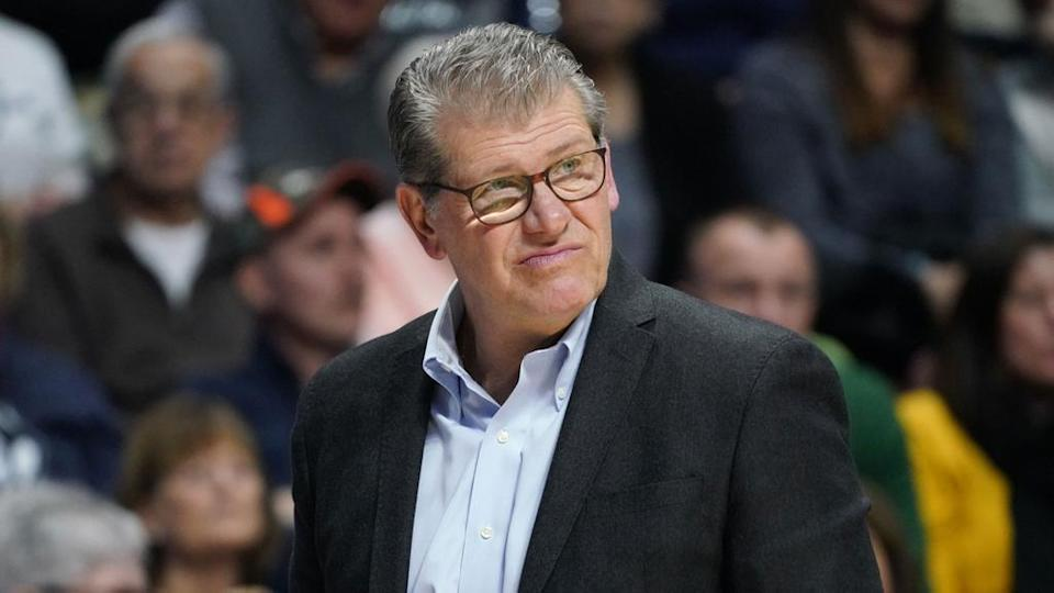 Geno Auriemma looking perplexed on the sidelines