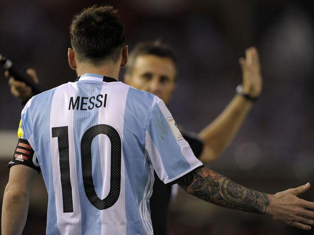 FBL-ARGENTINA-MESSI-SUSPENSION