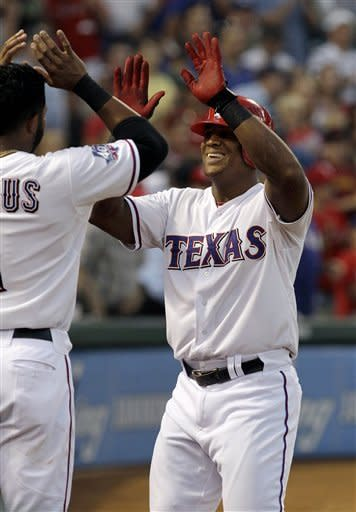 Beltre hits 3 homers for Rangers