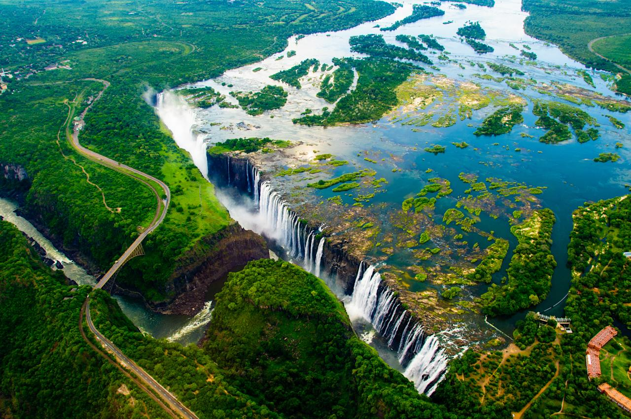 <p>Already firmly established as a tourist hotspot, Zimbabwe is a landlocked country in Africa celebrated for its safari areas and natural parks, not to mention the famous Victoria Falls. [Photo: Getty] </p>