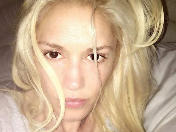 """<p>""""The Voice"""" coach posted a no-makeup selfie to her Instagram account on the evening of Thursday, May 12th. With tousled hair and flawless skin, her picture drew tons of compliments from her fans. """"Never have you looked so beautiful,"""" gushed one. Another proclaimed: """"So you're twenty five?!"""" <i>(</i><a href=""""https://www.instagram.com/p/BFVf-q3uLet/?taken-by=gwenstefani&hl=en"""">Photo: Instagram/Gwen Stefani</a><i>)</i></p>"""