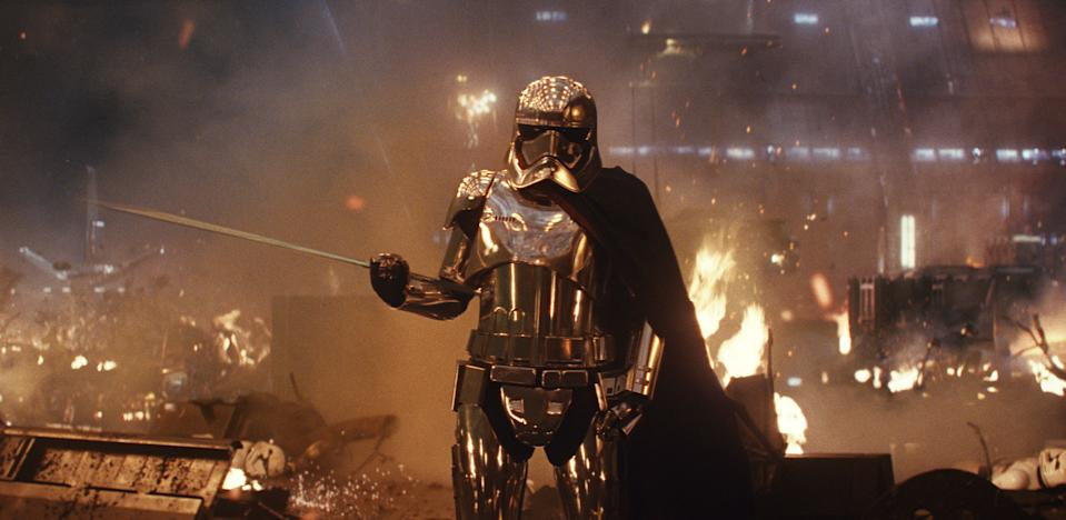 SPOILERS: Captain Phasma deserved so much more in The Last Jedi