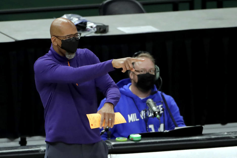 Phoenix Suns head coach Monty Williams gestures from the sideline during the second half of an NBA basketball game against the Milwaukee Bucks Monday, April 19, 2021, in Milwaukee. (AP Photo/Aaron Gash)
