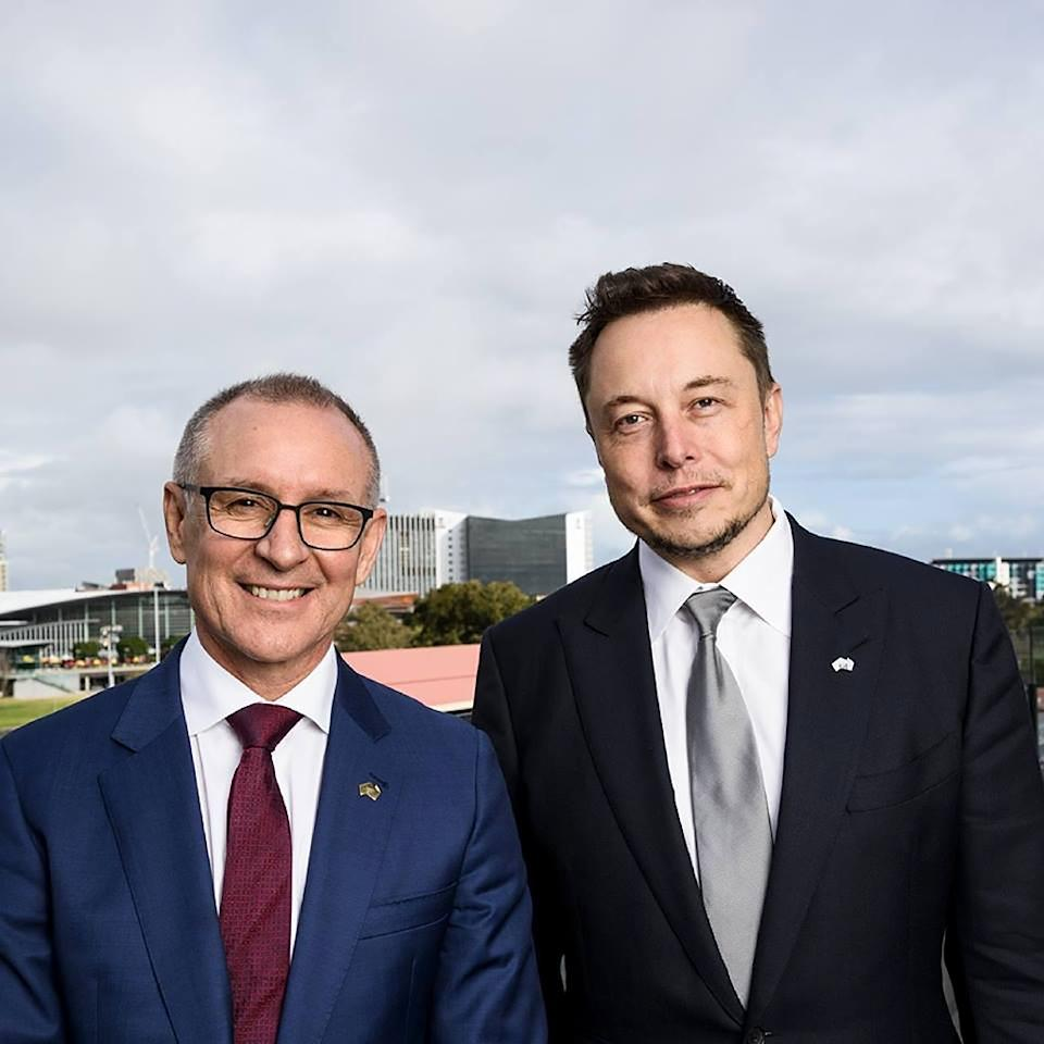 South Australia's Premier Jay Weatherill (L) and Tesla Motors CEO Elon Musk at an announcement in Adelaide on July 7, 2017 (AFP Photo/Handout)
