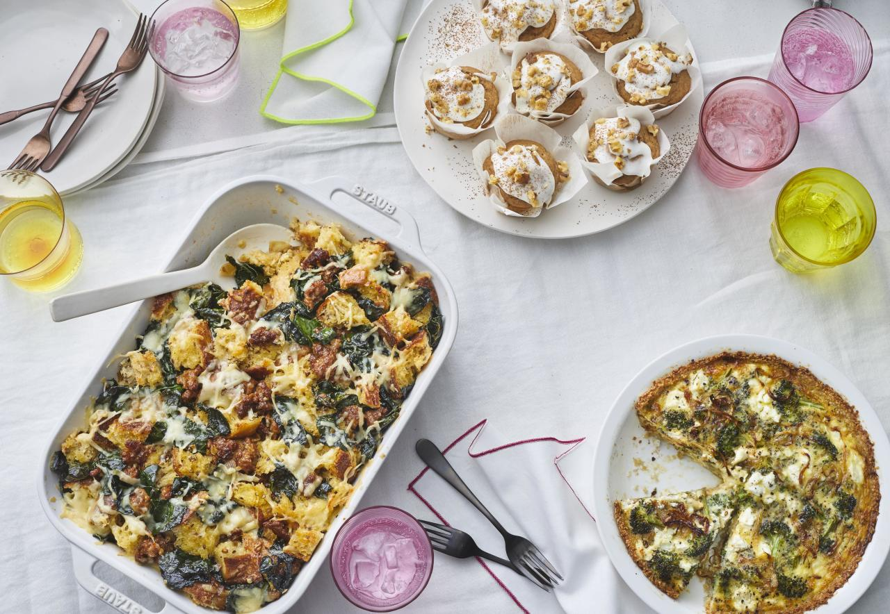<p>Everyone loves brunch. Festive, but still casual, you can relax and really enjoy the meal. Here are 32 delicious and healthy brunch ideas that both look <i>and</i> taste great. Even better, these recipes are also incredibly easy to make. Whether you're looking for a quiche, frittata, French toast, muffins, eggs, or even yogurt, we've got what you need to impress your guests.</p>