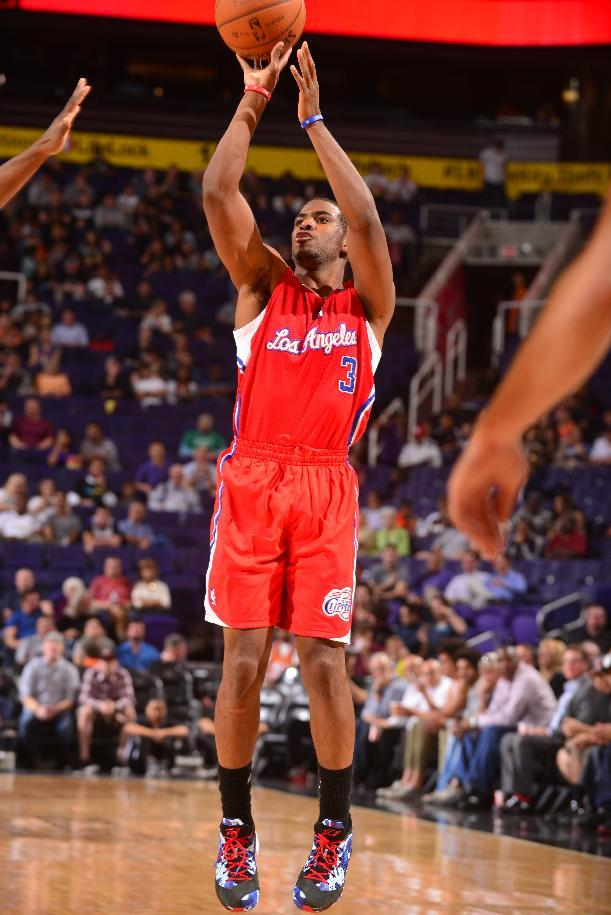 Paul scores 24 to lead Clippers past Suns, 102-96
