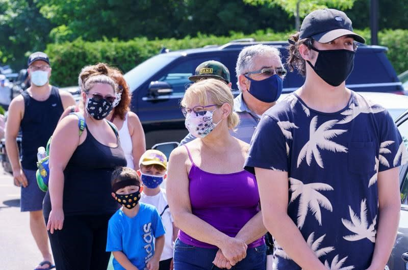 Quebec town imposes masks after COVID-19 outbreak south of Montreal hits 80 cases