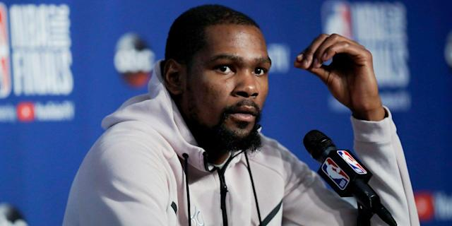 The Warriors baffled the NBA world with several awkward comments about Kevin Durant's next contract