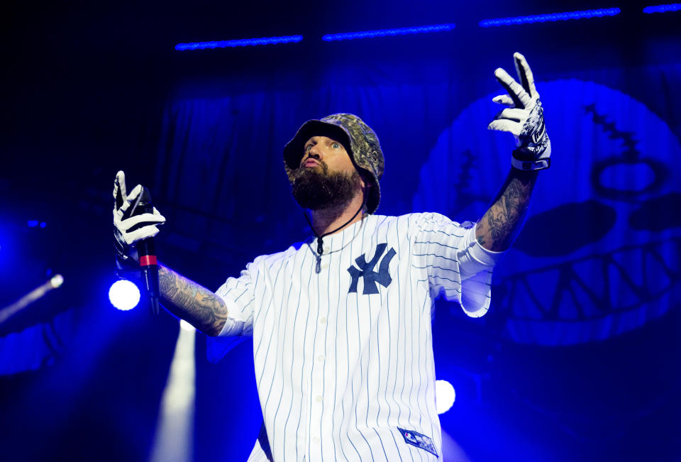 LONDON, ENGLAND - DECEMBER 16:  Fred Durst of Limp Bizkit performs on stage at the SSE Arena on December 16, 2016 in London, England.  (Photo by Matthew Baker/Getty Images)