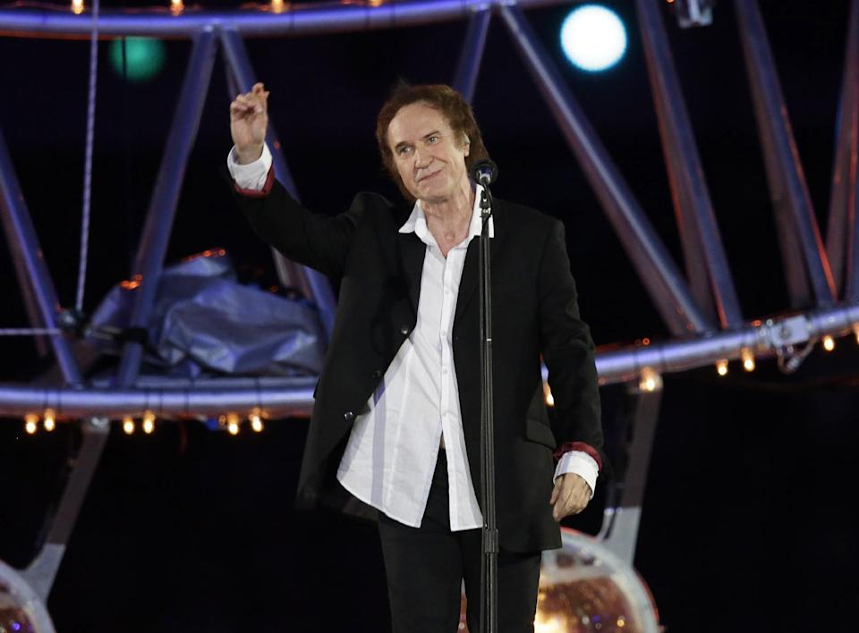 "FILE - This Aug. 12, 2012 file photo shows Ray Davies singing ""Waterloo Sunset"", during the Closing Ceremony at the 2012 Summer Olympics in London. Ray Davies and Donovan are among the 2014 Songwriters Hall of Fame class. The organization announced Tuesday that ""Midnight Train to Georgia"" writer Jim Weatherly and English songwriter Graham Gouldman also made the cut. Mark James, the writer behind ""Always on My Mind"" _ covered by Elvis Presley and Willie Nelson _ rounds out the list of five inductees. Davies, the Kinks leader singer and chief songwriter, penned the band's hits ""You Really Got Me"" and ""Tired of Waiting For You."" The Songwriters Hall of Fame gala will be held June 12 at the New York Marriott Marquis. (AP Photo/Charlie Riedel)"