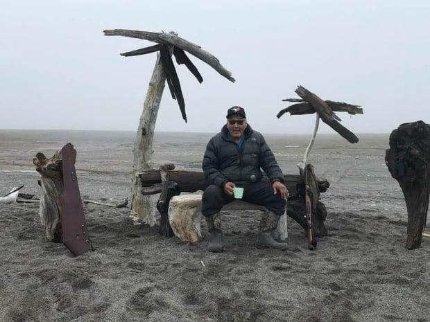 John Keogak built this beach scene at Kellet Point on Banks Island to keep himself busy when it was too foggy to hunt or fish. (John Keogak/Facebook - image credit)