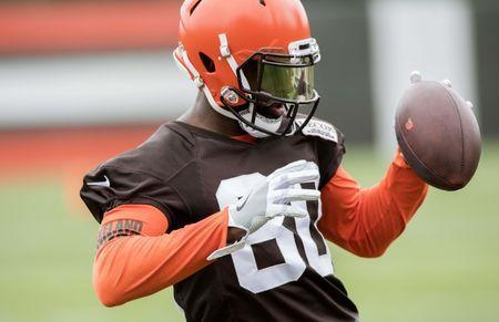 Jun 12, 2018; Berea, OH, USA; Cleveland Browns wide receiver Jarvis Landry (80) catches a pass during minicamp at the Cleveland Browns training facility. Mandatory Credit: Ken Blaze-USA TODAY Sports