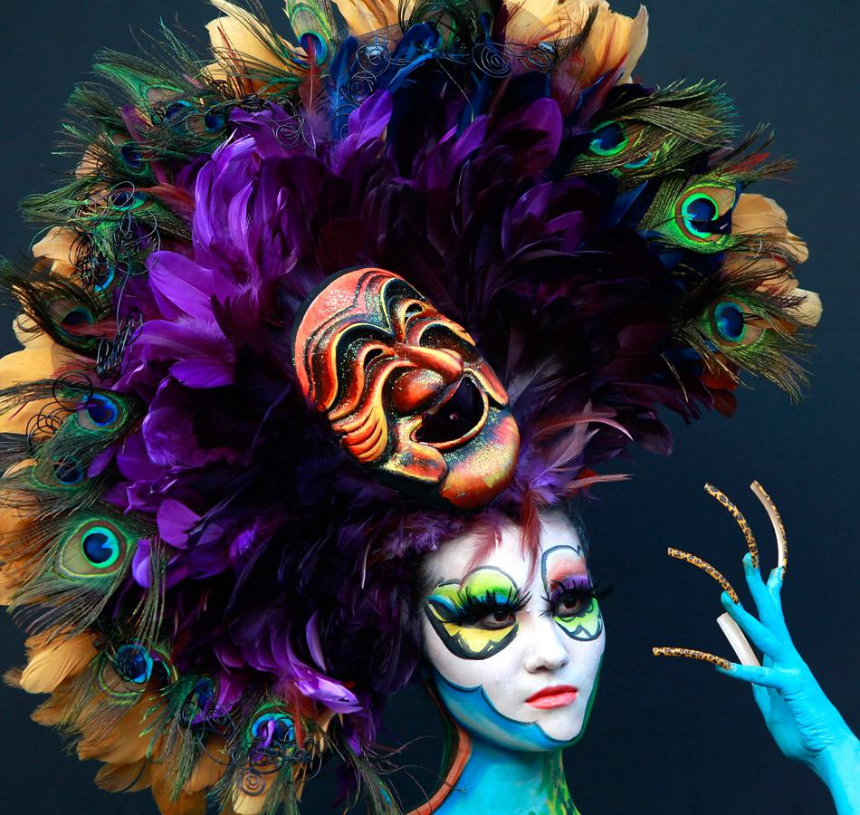 A model participates in a 2012 International Bodypainting Festival Asia at Duryu park on September 1, 2012 in Daegu, South Korea. The festival is the largest event in the field of body painting and spreads the art form to thousands of interested visitors each year.  (Photo by Chung Sung-Jun/Getty Images)