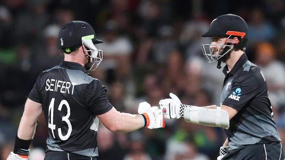 New Zealand beat Pakistan in second T20I: Records broken