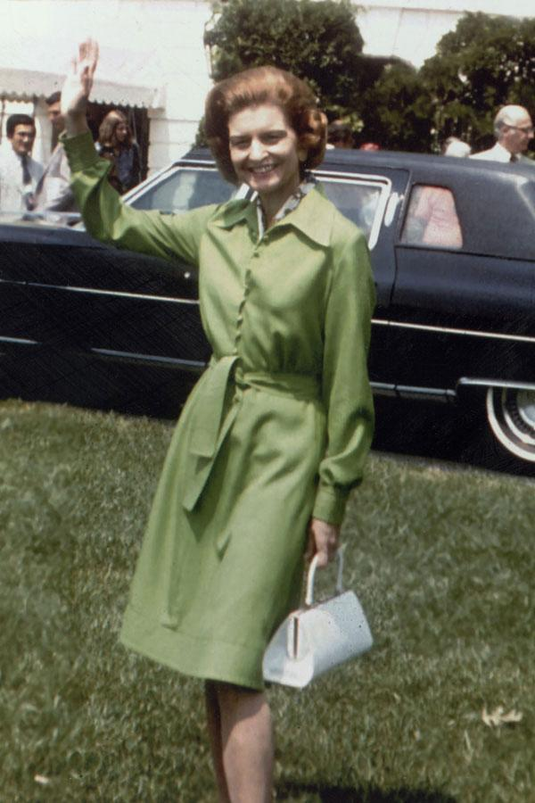 "<div class=""caption-credit""> Photo by: Getty Images</div><div class=""caption-title"">Betty Ford</div>Style Notes: The structured white bag was as stylish then as it is now. <br> <br> <b>Read More: <a href=""http://www.harpersbazaar.com/fashion/fashion-articles/mini-skirt-fashion?link=emb&dom=yah_life&src=syn&con=blog_blog_hbz&mag=har"" rel=""nofollow noopener"" target=""_blank"" data-ylk=""slk:The Most Iconic Mini Skirts of ALL TIME"" class=""link rapid-noclick-resp"">The Most Iconic Mini Skirts of ALL TIME</a></b>"