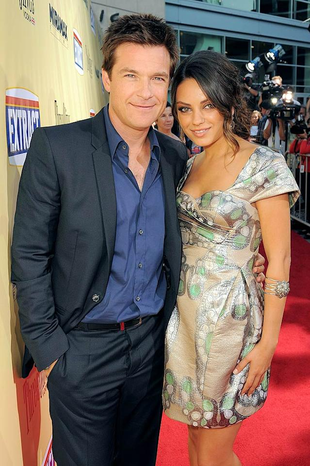 """<a href=""""http://movies.yahoo.com/movie/contributor/1800019148"""">Jason Bateman</a> and <a href=""""http://movies.yahoo.com/movie/contributor/1800281432"""">Mila Kunis</a> arrive at the Los Angeles premiere of <a href=""""http://movies.yahoo.com/movie/1810039594/info"""">Extract</a> - 08/24/2009"""