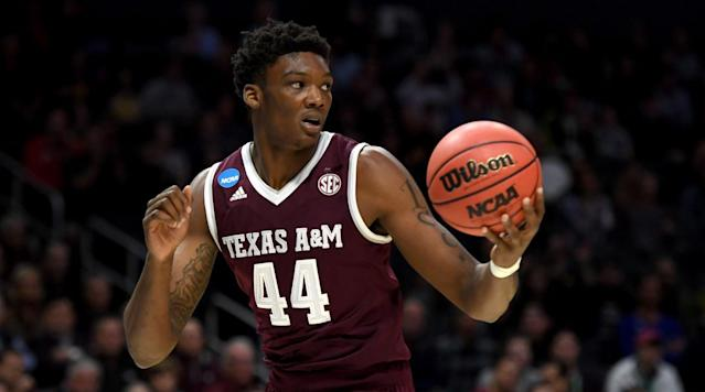 Where will Robert Williams go in the draft? The Crossover's Front Office breaks down his strengths, weaknesses and more in its in-depth scouting report.