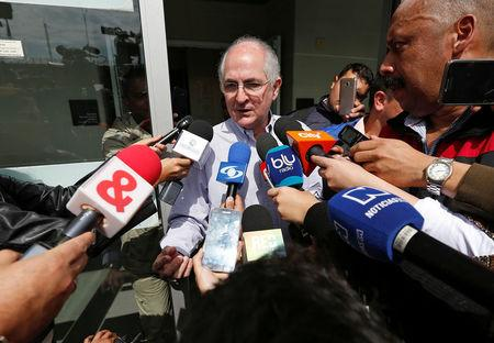 Antonio Ledezma, Venezuelan opposition leader, gives statements to the press during his arrival in Bogota, Colombia November 17, 2017. REUTERS/Jaime Saldarriaga