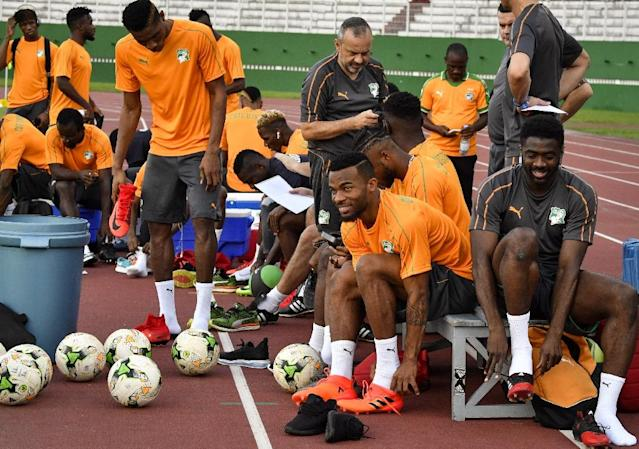 Ivory Coast's national team players take part in a training session on November 7, 2017 at the Felix Houphouet-Boigny stadium in Abidjan ahead of their FIFA World Cup 2018 qualifying football match against Morocco (AFP Photo/ISSOUF SANOGO)