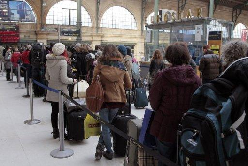 File photo of passengers queuing for Eurostar trains at Paris gare du Nord station. A cable fault on the Eurostar has caused long delays that could threaten to hit Paris Fashion Week with leading industry figures taking to microblogging website Twitter to highlight their travel difficulties