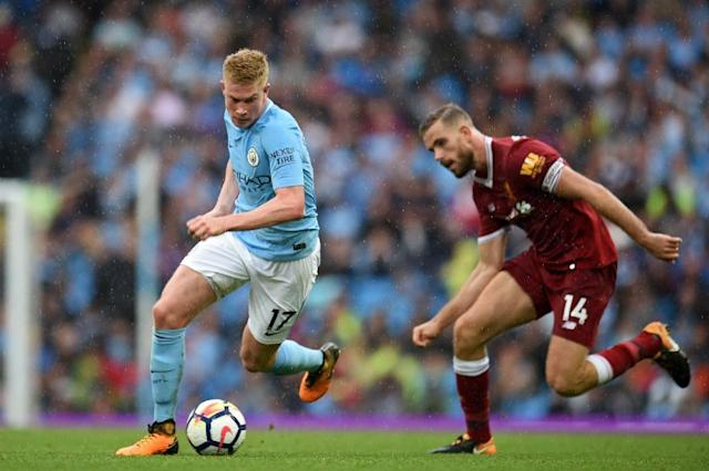 Manchester City's Kevin De Bruyne (left) in action during the 5-0 victory over Liverpool at the Etihad Stadium on September 9, 2017 (AFP Photo/Oli SCARFF)