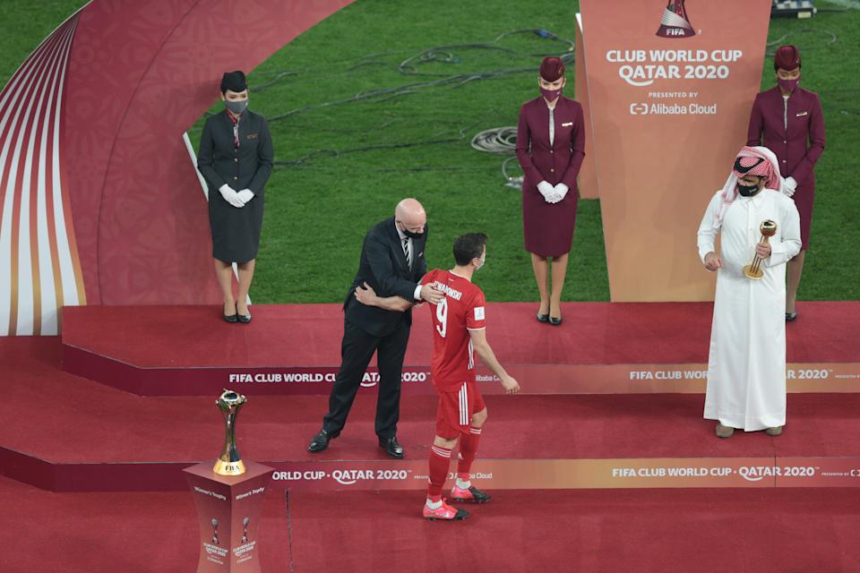 AL RAYYAN, QATAR - FEBRUARY 11: Bayern Munich player Robert Lewandowski receives the Golden Ball Cup attends the ceremony after Bayern Munich won the FIFA Club World Cup final match against Tigres at Education City Stadium in Al Rayyan, Qatar on February 11, 2021. (Photo by Stringer/Anadolu Agency via Getty Images)
