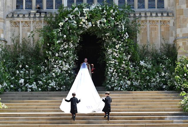 <p>The veil is 5 meters long and made from silk tulle with a trim of hand-embroidered flowers in silk threads and organza. (Photo: Ben Birchall/AFP/Getty Images) </p>