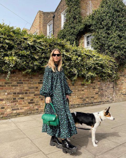 """<p>By pairing a fairly prim ditsy-printed dress with chunky boots, you can make quite formal dresses more casual, and soften up the look of the shoes so they aren't so winter-specific. </p><p><a class=""""link rapid-noclick-resp"""" href=""""https://go.redirectingat.com?id=127X1599956&url=https%3A%2F%2Fwww.mytheresa.com%2Fen-gb%2Fprada-leather-ankle-boots-1269570.html&sref=https%3A%2F%2Fwww.elle.com%2Fuk%2Ffashion%2Fg36129428%2Fspring-outfits%2F"""" rel=""""nofollow noopener"""" target=""""_blank"""" data-ylk=""""slk:SHOP CHUNKY BOOTS NOW"""">SHOP CHUNKY BOOTS NOW</a></p><p><a href=""""https://www.instagram.com/p/CNP9J56HAvP/"""" rel=""""nofollow noopener"""" target=""""_blank"""" data-ylk=""""slk:See the original post on Instagram"""" class=""""link rapid-noclick-resp"""">See the original post on Instagram</a></p>"""