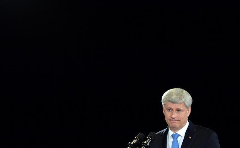 Stephen Harper says farewell to party post, but says will stay connected