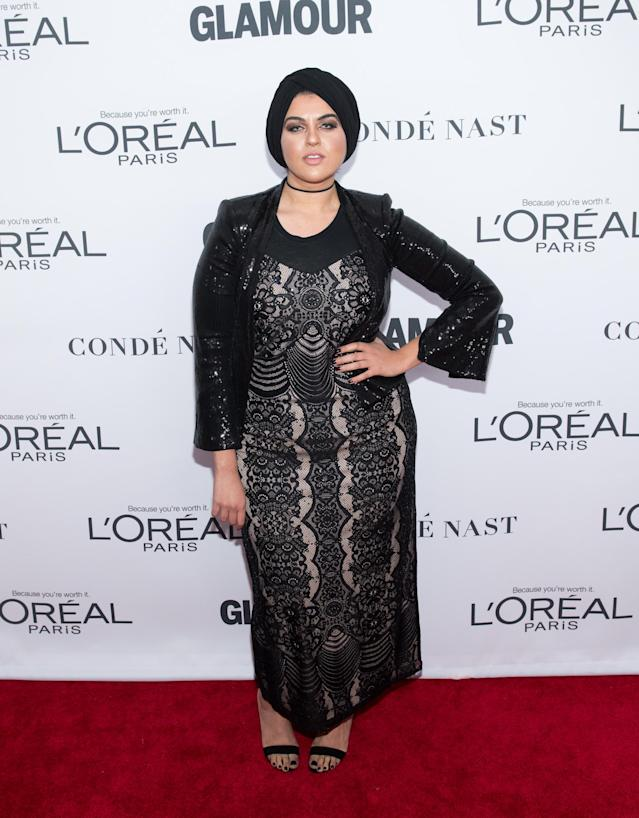 Amani Al-Khatahtbeh of MuslimGirl.com has declined an award Revlon, due to its brand ambassador Gal Gadot. (Photo: Getty Images)