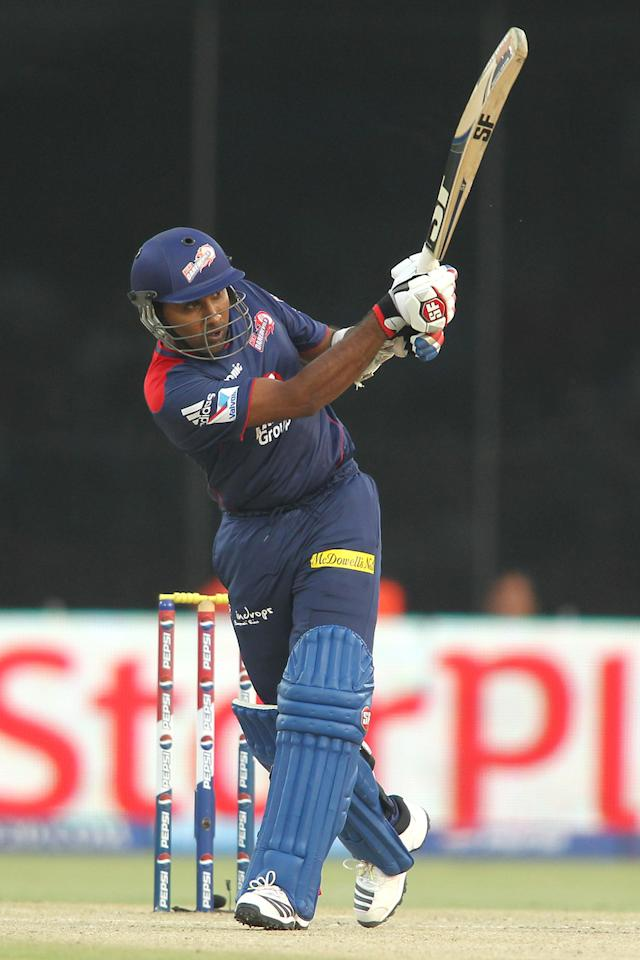 Delhi Daredevils captain Mahela Jayawardene hits over the top during match 28 of the Pepsi Indian Premier League between The Delhi Daredevils and the Mumbai Indians held at the Feroz Shah Kotla Stadium, Delhi on the 21st April 2013..Photo by Shaun Roy-IPL-SPORTZPICS ..Use of this image is subject to the terms and conditions as outlined by the BCCI. These terms can be found by following this link:..https://ec.yimg.com/ec?url=http%3a%2f%2fwww.sportzpics.co.za%2fimage%2fI0000SoRagM2cIEc&t=1502971237&sig=._nzhXf3DR2dn2VYhm2uMQ--~D