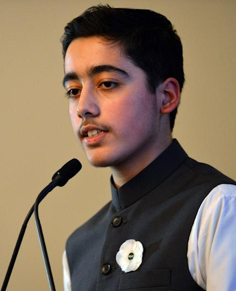 Ahmad Nawaz, a survivor of the 2014 school massacre in Peshawar, Pakistan that killed 150, most of them children, speaks at an event to commemorate the attacks in Birmingham, England on December 14, 2015 (AFP Photo/Paul Ellis)