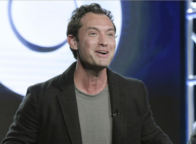 Jude Law playing Dumbledore