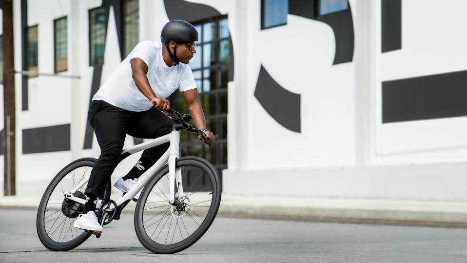 Gogoro's Eeyo 1s smart electric bike