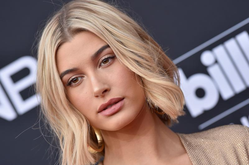Hailey Bieber. Image via Getty Images.