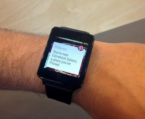 Smartwatch showing Pinterest notification