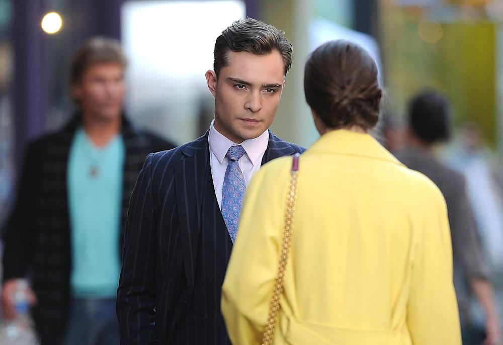 """Ed Westwick and Leighton Meester film scenes for """"Gossip Girl"""" in 2012. (David Krieger/Bauer-Griffin via Getty Images)"""