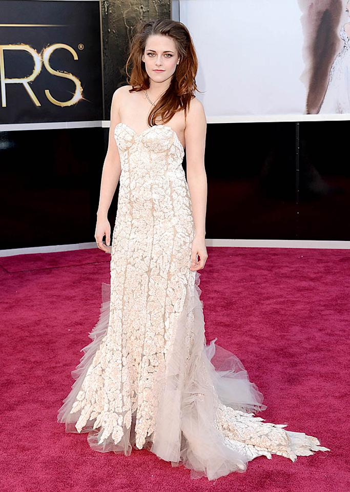 Kristen Stewart arrives at the Oscars in Hollywood, California, on February 24, 2013.