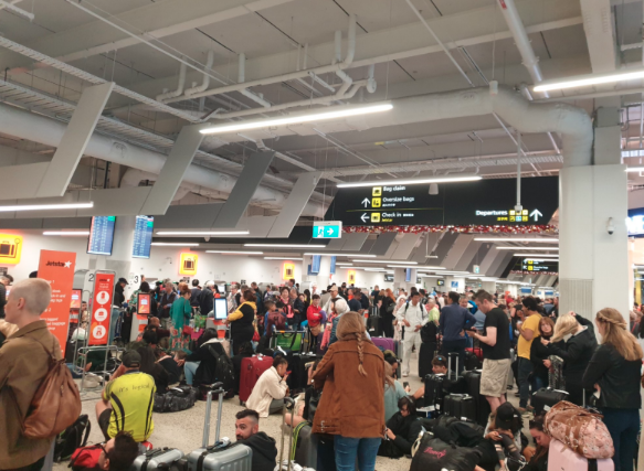Picture of Jetstar customers stranded at an airport in Melbourne.
