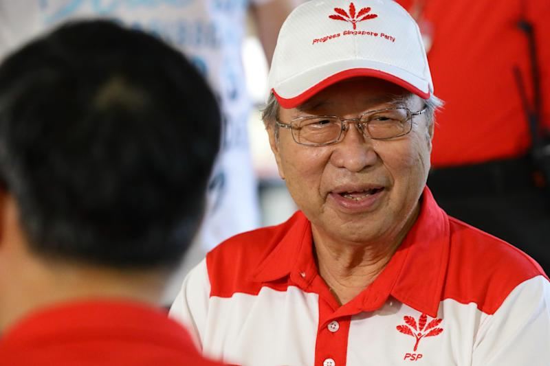 SINGAPORE - JUNE 24: Progress Singapore Party (PSP) chief, Dr Tan Cheng Bock mingles during a walkabout on June 24, 2020 in Singapore. On June 23, Prime Minister Lee Hsien Loong has called for the General Election to be held on July 10 to seek a fresh mandate amid the coronavirus (COVID-19) pandemic. As of June 23, the total number of COVID-19 cases in the country is 42,432. (Photo by Suhaimi Abdullah/Getty Images)
