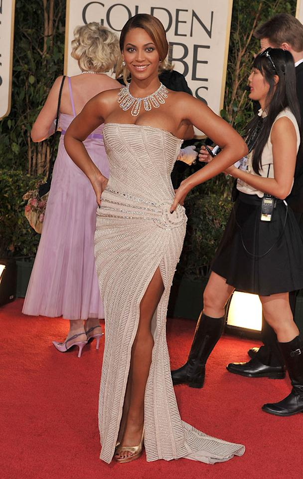 """Beyonce sparkled in a strapless Elie Saab beaded gown. Steve Granitz/<a href=""""http://www.wireimage.com"""" target=""""new"""">WireImage.com</a> - January 11, 2009"""