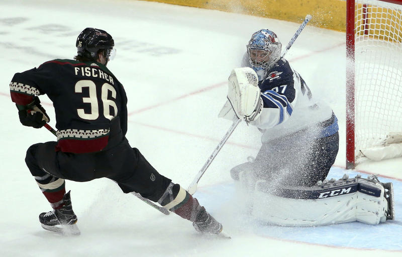 Jets beat Coyotes 4-2 to earn home-ice in 1st round
