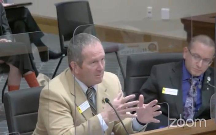 Wyoming state Rep. Steve Harshman unsuccessfully tried to convince the Senate Committee on Labor, Health and Social Services to back Medicaid expansion.