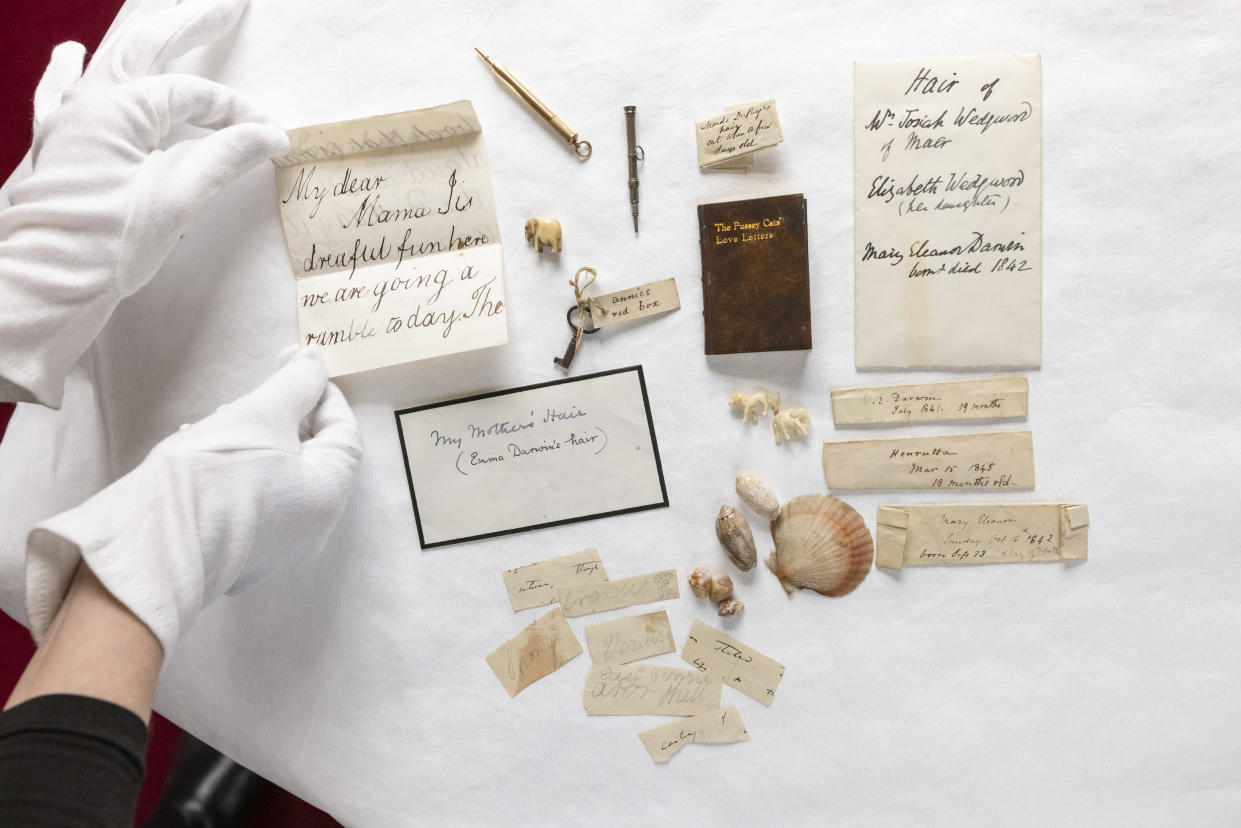 Items in the keepsake box (English Heritage)