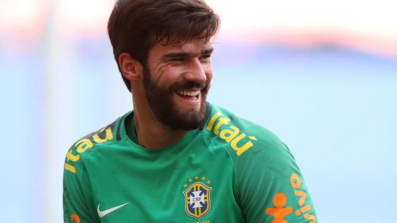 À procura de goleiro, Real Madrid monitora Alisson