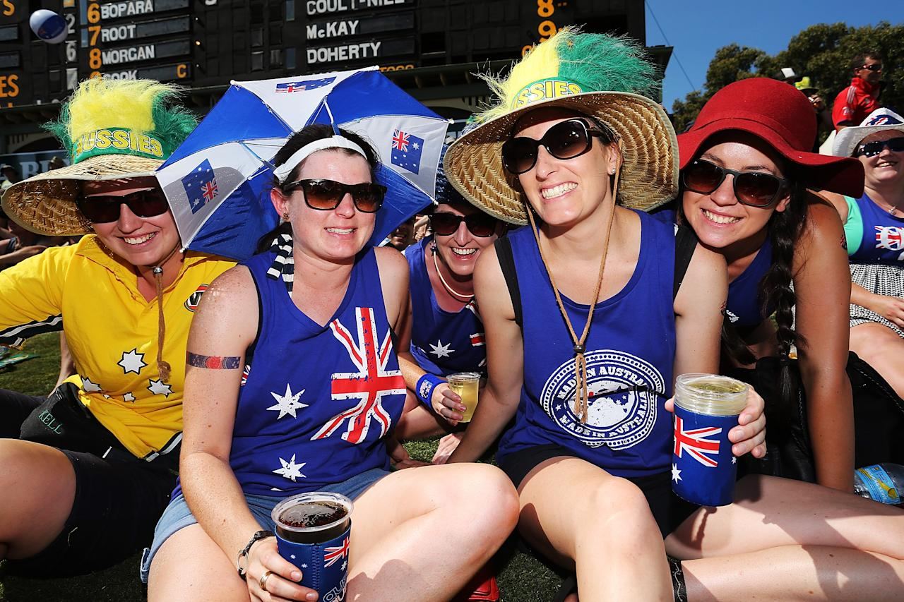ADELAIDE, AUSTRALIA - JANUARY 26: Fans show their support for Australia during game five of the One Day International Series between Australia and England at Adelaide Oval on January 26, 2014 in Adelaide, Australia.  (Photo by Daniel Kalisz/Getty Images)
