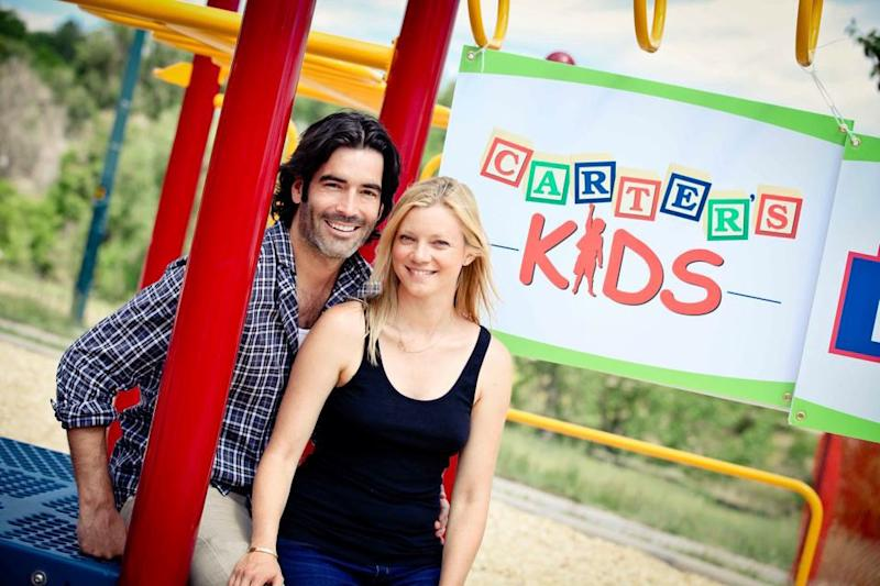 Carter Oosterhouse and Amy Smart Build Playgrounds for Kids in Need