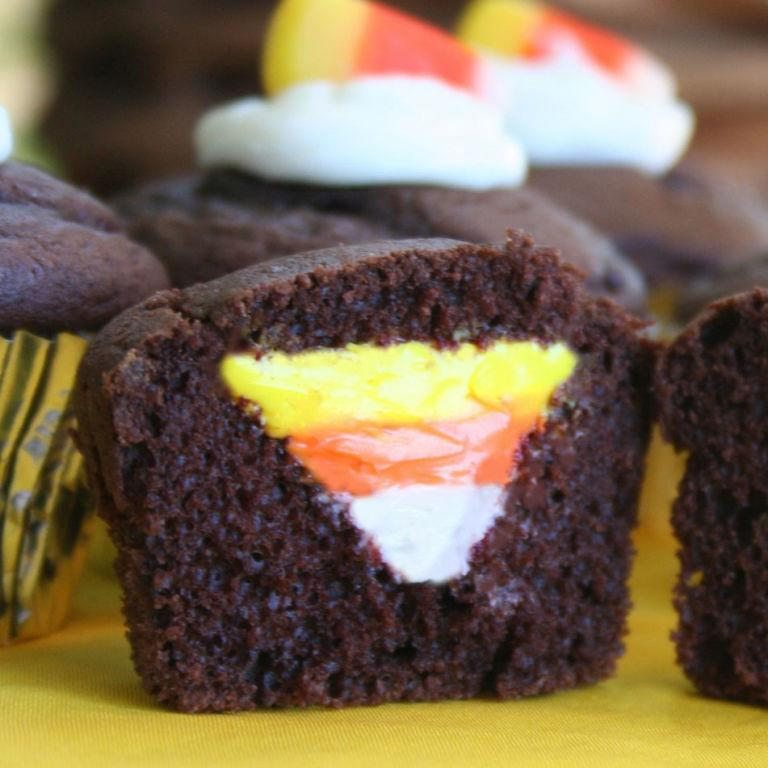 16 easy halloween cupcakes you can make at home for Halloween decorations you can make at home