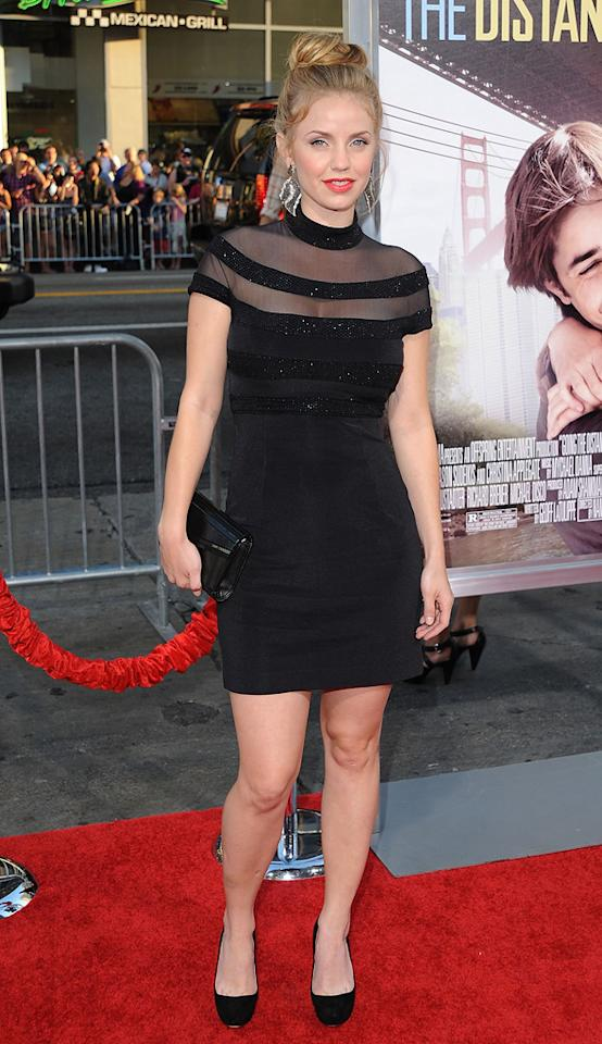 """<a href=""""http://movies.yahoo.com/movie/contributor/1804894589"""">Kelli Garner</a> at the Los Angeles premiere of <a href=""""http://movies.yahoo.com/movie/1810105852/info"""">Going the Distance</a> - 08/23/2010"""